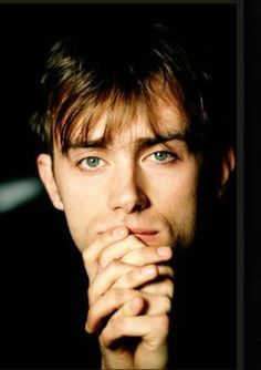 Vow of Silence Jamie Hewlett, Pretty Men, Beautiful Men, Damon Albarn Young, Blur Band, Selfies, Britpop, British Men, Music Mix