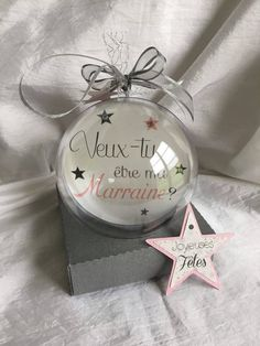 Christmas Outfits : this article is not available 2 balls birth announcement photo and customizable text Christmas Baby Announcement, Birth Announcement Photos, Family Christmas, Christmas Holidays, Christmas Bulbs, Christmas Outfits, Tous Baby, Baby Box, Baby Party