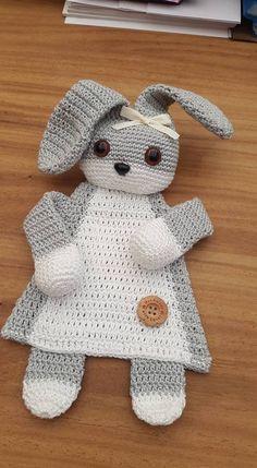 "Image only free bunny cuddly blanket Lappenpop uit het boek ""Gehaakte lappenpopp… - Babysachen Crochet Security Blanket, Crochet Lovey, Crochet Baby Toys, Crochet Rabbit, Easter Crochet, Crochet Gifts, Crochet For Kids, Crochet Dolls, Baby Knitting"