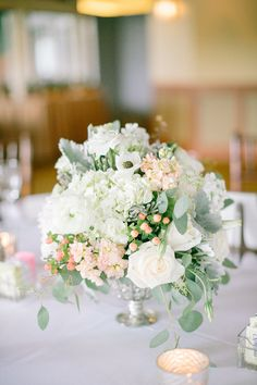 Ivory and Mint Centerpiece | photography by http://www.jacquicole.com