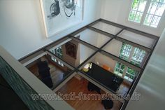 plancher de verre Minimalist Architecture, Architecture Design, Glass Floor, Modern Staircase, Basement Renovations, Tiny House Living, Building A House, Flooring, Interior Design