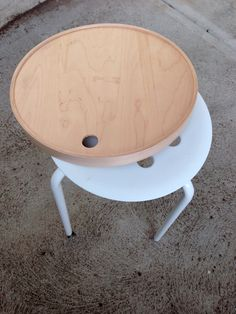Flip tray and cover the MARIUS seat to create a multipurpose side table.