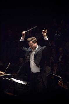14 gennaio 2015. Concerto del maestro Ryan McAdams e Pablo Ferrández con l'Orchestra del Maggio Musicale Fiorentino. © Pietro Paolini / Terraproject / contrasto