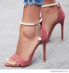 high heels – High Heels Daily Heels, stilettos and women's Shoes Pretty Shoes, Beautiful Shoes, Cute Shoes, Me Too Shoes, Beautiful Legs, Stilettos, Stiletto Heels, Pumps, Pink Sandals