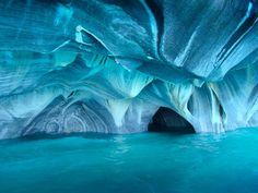 パタゴニアの洞窟。  行きたいトコだらけ・・・