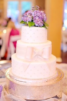 In love with this cake!  Minus the fact that it's crooked!