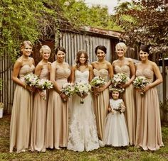 What a beautiful bridal party - The soft and subtle colour of the bridesmaids' dresses are gorgeous!