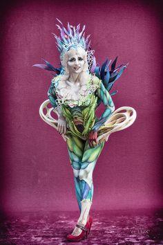 WBF 2014 | Amateur Award Brush & Sponge 'Pop Art'  Photography: Atelier 'et Lux', Artist ID203: Houyam Hajlaoui - Belgium, Assistant: Marie Fontaine Model: Leeloo