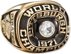 Pittsburgh Pirates 1971 World Champions Ring - Roberto Clemente OF 1971 World Series, World Series Winners, World Series Rings, Pittsburgh Sports, Pittsburgh Pirates, Pirates Baseball, Baseball Odds, Nfl Championship Rings, Three Rivers Stadium