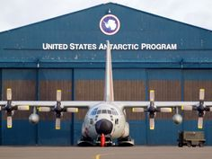 USAF LC-130 parked at Christchurch  Type: Lockheed LC-130H  Registration: 92-1095  Location: Christchurch International Airport  Date: 25/10/2010