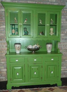 Hutch; like the detail where it transitions from the bottom to the top.  Even though this is built in I want it to look like furniture; so I like the feet.