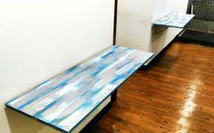 Folding table~