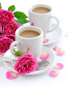 Coffee and Roses Coffee Vs Tea, Coffee Gif, Coffee Love, Coffee Break, Coffee Cups, Tea Cups, Wednesday Coffee, Café Chocolate, Pause Café