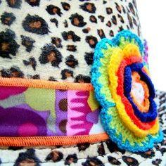 vía Daniela Lazo chic products! Consigue este estupendo sombrero en SUCUCHO.COM !! ~✽