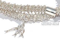Handknitted silver neclace by Helga Markhus, Norway #gullsmedhelga , gullsmedhelga.com Viking Knit, Norway, Vikings, Jewelry Design, Jewellery, Knitting, Diamond, Bracelets, Silver