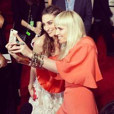 Selfie bestiez Sara Bareilles and Natasha Bedingfield!