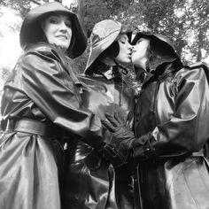 Mi tablero fetish Black Raincoat, Raincoat Jacket, Rubber Catsuit, Latex Catsuit, Black Mac, Long Leather Coat, Leather Jacket, Wellies Rain Boots, Rubber Raincoats