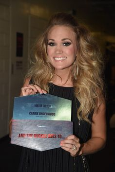 "Carrie Underwood-Video of the Year for ""See You Again."" Wonderful and touching video Carrie Underwood Videos, Carrie Underwood Makeup, Carrie Underwood Pictures, Country Music Artists, Country Singers, Best Female Artists, Popular People, Famous People, Cma Awards"