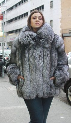 This beautiful plus size fur jacket was made of the magnificent bright sliver fox skins. Our model is a size 5 foot 8 and gorgeous. This is the perfect fur for that full size lady that wants to look her best and keep cozy warm in the harshest winter w Stylish Plus Size Clothing, Plus Size Clothing Online, Plus Size Outfits, Plus Size Fashion, Clothing Stores, Fur Fashion, Fashion 101, Womens Fashion, Fashion Guide