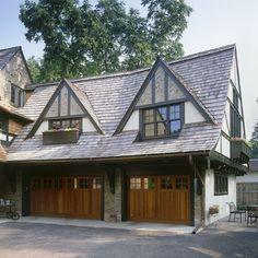English Style Carriage House-TEA2 Architects