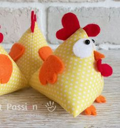 Lucky triangle chicken (free sewing pattern)