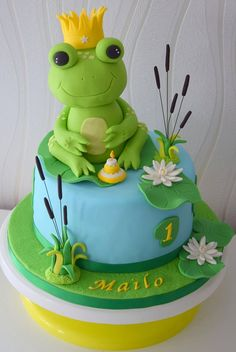 Frog Birthday Party, Baby Birthday Cakes, Frog Cakes, Cupcake Cakes, Cupcakes, Modeling Chocolate Figures, Simple Fondant Cake, Occasion Cakes, Buttercream Cake
