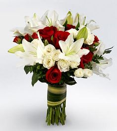 Red and white bouquet. Google Image Result for http://www.academy-florists.com/images/shop/afo-images/Autumn2008/V033.jpg