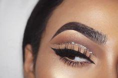 Glitter cut crease neutral eye by @nilltavangar •