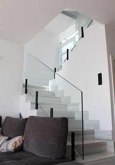 Industrial design of support for railing and glass modules. A customized design of the company Ibarkalde the aim of facilitating the work of our assemblers and companies in the industrial sector. Staircase Design Modern, Home Stairs Design, Modern Stairs, Interior Stairs, Modern House Design, Home Interior Design, Interior Architecture, Glass Stairs, Glass Railing