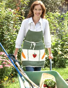 Yarnspirations.com - Lily Garden Apron ~ Matches the Garden Tote Bag! - Patterns  | Yarnspirations
