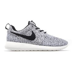 Find the newest Nike Roshe Run shoes at Finish Line. Rosherun is a clean & minimalistic casual running shoe. We've got the best selection of Roshes.