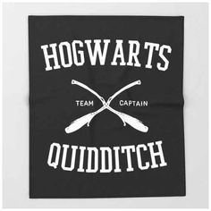 This throw blanket, perfect for cosying up with a book (and avoiding Quidditch): Hogwarts Acceptance Letter, Hogwarts Letter, Harry Potter Facts, Harry Potter Movies, Gifts For Bookworms, Gifts For Mom, Harry Potter Collection, Mischief Managed, Hermione Granger