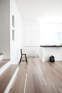 30 Laminate Wood Flooring Design Ideas For Home Interior Inspiration - Home, Flooring, Interior, Interior Stairs, House Flooring, Hardwood Floor Colors, Wood Floors, Floor Design, House Interior