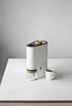 Coffee Maker - Ikawa is a minimalist coffee roaster designed by London-based designers Andrew Stordy and Rombout Frieling.