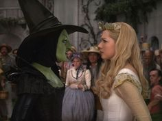 Mila Kunis as The Wicked Witch of the West and Michelle Williams as Glinda in Sam Rami's Oz The Great and Powerful.