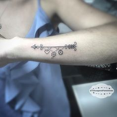 WEBSTA @ tatuagensfemininas - Flecha e mini símbolos • Feita por Taisthorpetattoo.ℐnspiração 〰 ℐnspiration ..#tattoo #tattoos #tatuagem #tatuaje #ink #tattooed #tattooedgirls #EunoTatuagensFemininas #TatuagensFemininas