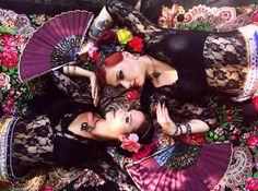 ATS with flamenco fan The Siren Project Agata and Katarzyna as heart & pik