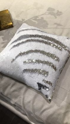 Attractive Mermaid Sequin Pillow in Citrine 20x20 | Home/room | Pinterest  ON97