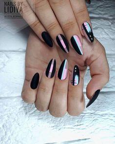 Pastel matte geometric negative space nail art nails in 2019 acrylic Trendy Nail Art, Stylish Nails, Love Nails, Fun Nails, Color Nails, Gradient Nails, Shellac Nails, Matte Nails, Nail Nail