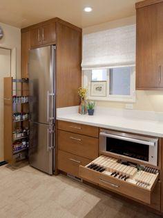 Вертикальные и горизонтальные выдвижные системы для кухни