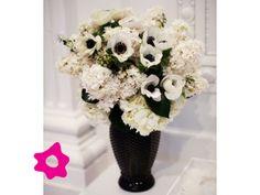 Anémona como flor de boda en arreglo de flores
