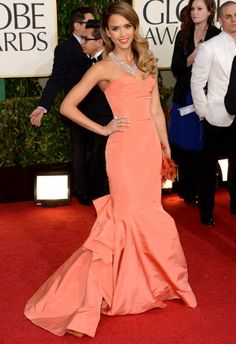 Jessica Alba in Oscar de la Renta  —  2013 Golden Globe Awards