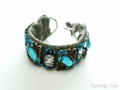 Anthro Knockoff Fori Bracelet (glue on the gems, etc) Handmade Friendship Bracelets, Handmade Bracelets, Fabric Bracelets, Beaded Bracelets, Homeade Gifts, Diy Jewelry Projects, Jewelry Crafts, Diy Rings, Bijoux Diy