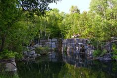 Dorset Quarry in Vermont is a beautiful old marble quarry, which was first mined in 1785. The stone from this quarry went to build the main branch of the New York Public Library and the Montreal Museum of Fine Arts. Today, it is a very popular and well-known local swimming hole. Jumping off rocks, swimming in the 60-foot deep waters, or basking in the sun can all be enjoyed at this gorgeous, natural oasis.
