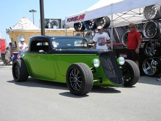 Merle's 1933 Ford Hot Rod dares to be different and with great results! Click on the photo for more on this beauty. via FORGELINE MOTORSPORTS