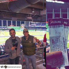 #Repost @darianalvarez: 23 y 24 números de los asientos !!! Jordan y Kobe del #Fitness viendo a #MexicoVsSenegal e invitados  por @att  #Gracias !!! @eddie_arias #DarianAlvarez #DarianDLab @dlabteam #ATTExpressions