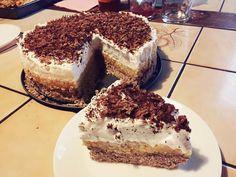 Gesztenyés krémes sütés nélkül, mire a család észrevette mit csinálok a konyhában, már el is készült! - Ketkes.com Pear Cake, Vegan Desserts, Tiramisu, Almond, Cheesecake, Baking, Cream, Ethnic Recipes, Food