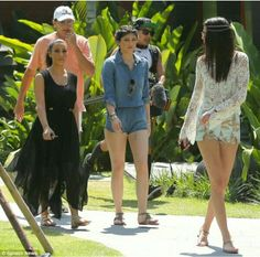 Kim kardashian bruce jenner kylie jenner and kendall jenner family vacay 2014 in thailand