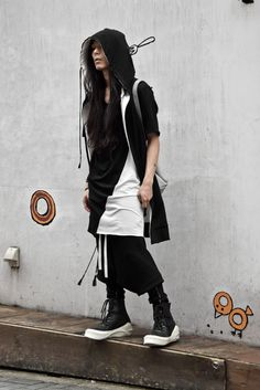 """Visions of the Future // DEVIANT T-SHIRT. A.F homme -angefatal- CURVE SWITCH TEE DEVIANT. PANT. A.F homme -angefatal- DROP CROTCH """"BOMBER HEAT"""" LEGGINGS / A.F hommeSNEAKER / JuliusBAG / incarnation"""