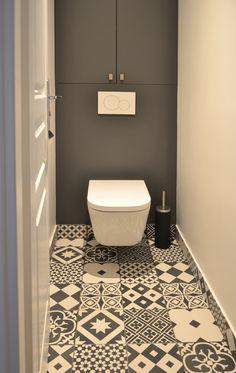 WC: Salle de bain de style de style Moderne par A comme Archi